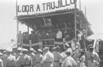 Political rally: Trujillo in the middle