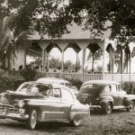 Hotel Garden City with 1940s cars